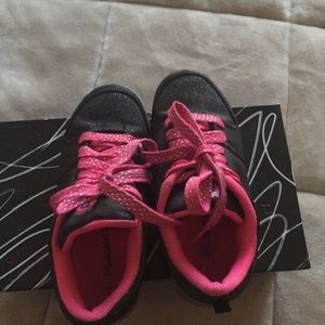 Other - Girls Flash Lights Shoes sz 2